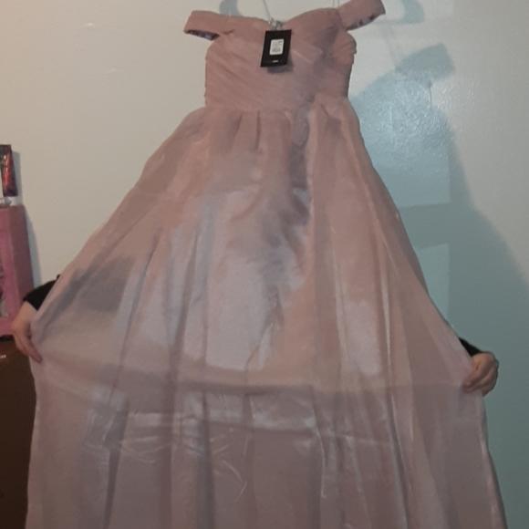 Fashion Nova Dresses & Skirts - Jamila off should mauve dress